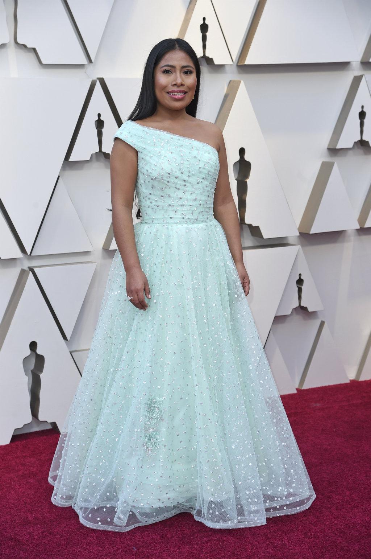 La Historia Del Vestido Que Yalitza Usó En Los Oscar